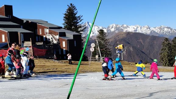 A Guzet, une piste de ski est dédiée au enfants.