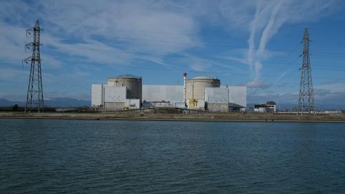 """""""Ça marque le début de la fin"""" : la centrale nucléaire de Fessenheim débranche son premier réacteur, des salariés dénoncent """"un gâchis"""""""