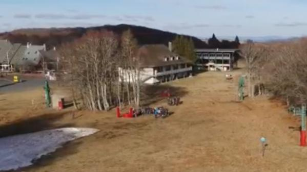 Vacances d'hiver : réinventer les stations de montagne faute de neige