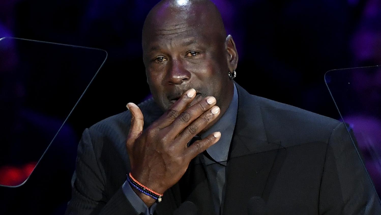 VIDEOS. Michael Jordan en larmes, discours poignant de son épouse... Les proches de Kobe Bryant lui rendent un dernier hommage lors d'une cérémonie