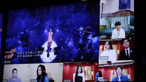 Mon info. En Chine, les jeux télévisés s'adaptent au confinement imposé par le coronavirus