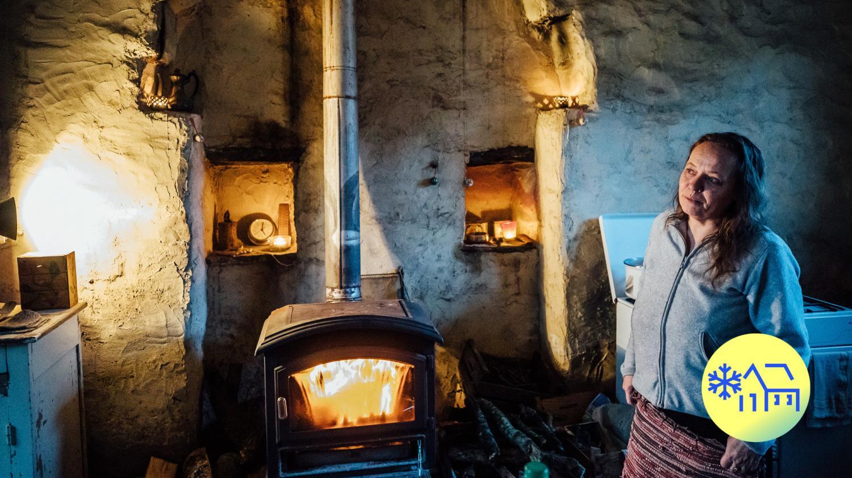 VIDEO. En Bretagne, Isabelle a renoncé à des soins médicaux à cause du froid qui règne chez elle