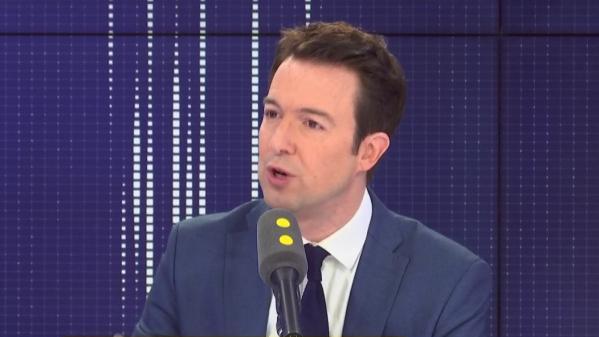 """Libération de détenus condamnés pour terrorisme: Guillaume Peltier """"accuse Emmanuel Macron de non-assistance à pays en danger"""""""