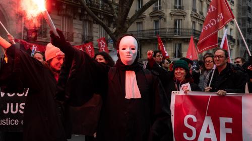 """Réforme des retraites : l'Assemblée vote un """"dispositif de solidarité"""" pour les petits cabinets d'avocats"""