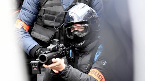La CGT et des syndicats d'avocats et de magistrats demandent à la justice européenne d'interdire les LBD