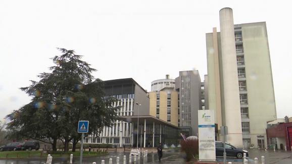 Le plan blanc a été activé à l\'hôpital de Creil (Oise) le 25 février 2020. C\'est dans cet établissement qu\'a été admis un enseignant décédé après avoir contracté le Covid-19.