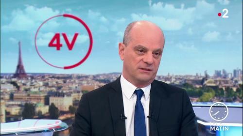 """Coronavirus : """"Autour de 350 000 élèves"""" sont privés d'école en France, affirme Jean-Michel Blanquer"""