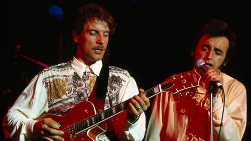 """""""Dick c'est le rock absolu, moi c'est le roll"""" : Francis Cabrel sort un album live enregistré sur la routeen 1990 avec Dick Rivers"""