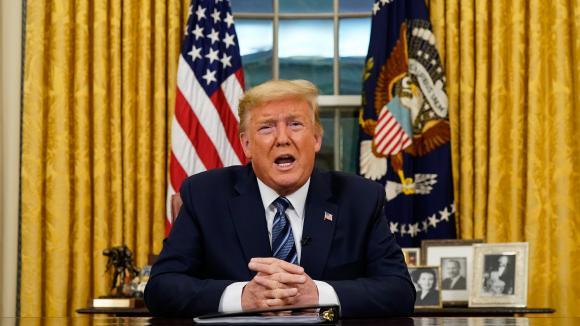 Donald Trump s\'adresse aux américains et donne ses nouvelles consignes par rapport au conoravirus, depuis Washington, le 11 mars 2020.
