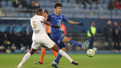 Un joueur de Troyes, en Ligue 2, testé positif au coronavirus, le premier footballeur professionnel contaminé en France