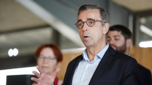 Résultats des élections municipales 2020 : à Bordeaux, le maire sortant Nicolas Florian ex aequo avec l'écologiste Pierre Hurmic au premier tour, selon une estimation Ipsos/Sopra Steria