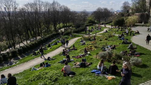 Coronavirus : la ville de Paris ferme ses parcs et jardins