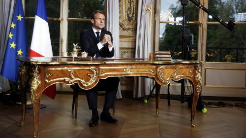 """DIRECT. Coronavirus : """"Dès demain midi et pour 15 jours au moins, nos déplacements seront fortement réduits"""", annonce Emmanuel Macron"""