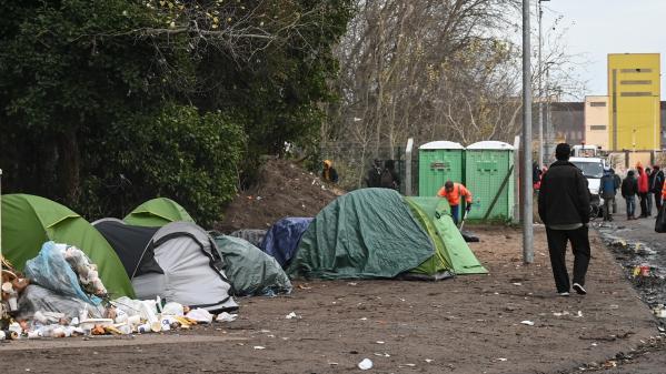 """Coronavirus : des associations réclament des mesures """"urgentes"""" pour les migrants"""