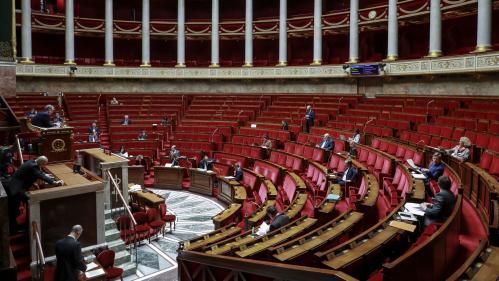 Coronavirus : l'Assemblée vote l'article sur l'état d'urgence sanitaire