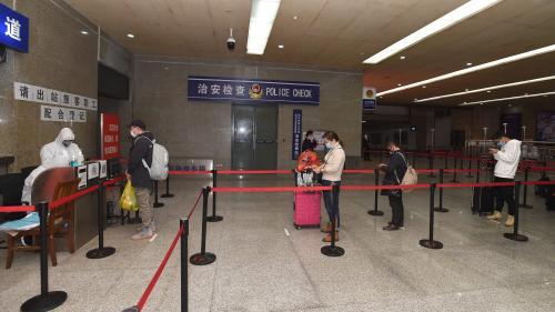 """""""La situation s'améliore, c'est très encourageant"""" : à Wuhan, la ville d'origine du coronavirus, un retour à la normale """"dans 4 à 5 semaines"""""""