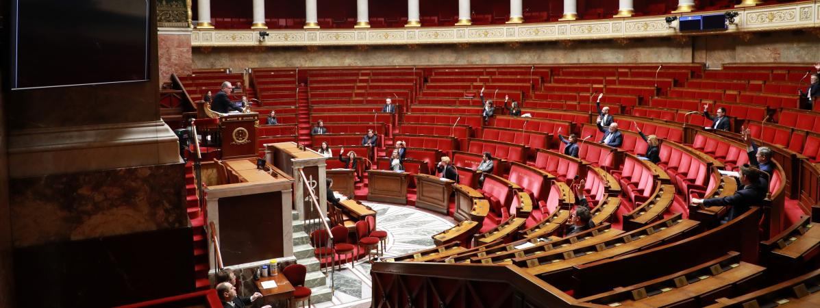 L\'hémicycle de l\'Assemblée nationale, le 22 mars 2020, à Paris.