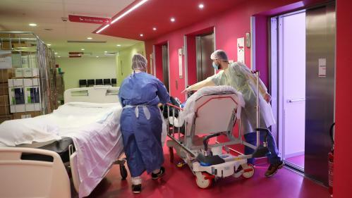 """Coronavirus : """"Quelques centaines de soignants sont positifs"""", au Covid-19 en Ile-de-France"""