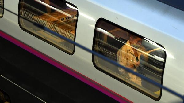 DIRECT. Coronavirus : le transfert de 36 patients du Grand Est par TGV médicalisé en Nouvelle-Aquitaine a démarré
