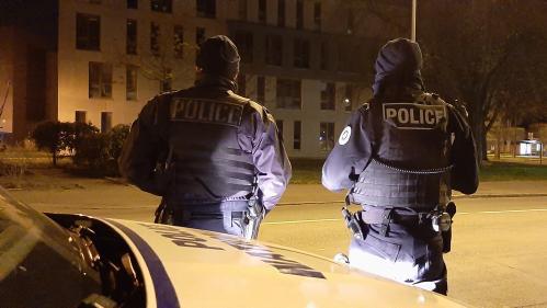 """""""La prochaine fois monsieur, c'est 3400euros et 6mois de prison"""" : avec les policiers chargés de faire respecter le couvre-feu à Mulhouse"""