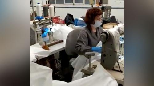 """""""Nous ne pouvons dépendre d'autres pays"""": un bourg espagnol s'est reconverti dans la production de matériel de protection contre le coronavirus"""