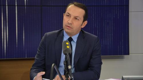 """Coronavirus : """"L'unité nationale ne peut pas être l'unité des bouches cousues"""", répond le député RN Sébastien Chenu à Emmanuel Macron"""