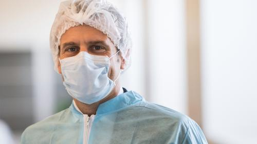 Coronavirus : ce qu'il faut retenir d'Emmanuel Macron sur l'approvisionnement en matériel pour lutter contre l'épidémie de Covid-19