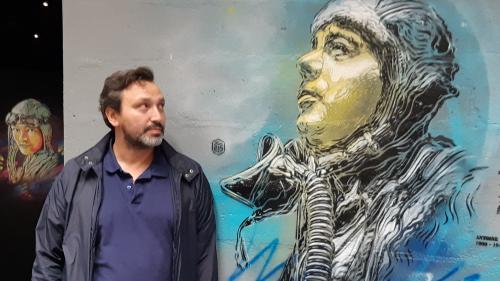 L'artiste C215 peindra, à la fin du confinement, une fresque en hommage à la caissière de Saint-Denis morte du coronavirus