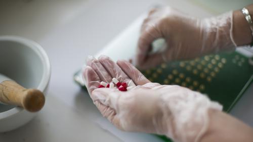 Coronavirus :des stocks de médicaments qui s'amenuisent