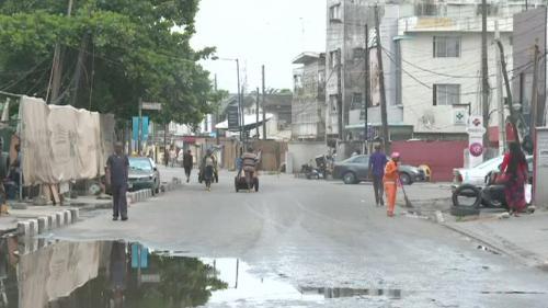 VIDEO. Coronavirus : en Afrique, l'illusoire mise en place des mesures de confinement et des gestes barrières