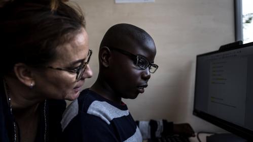 Coronavirus : Emmanuel Macron annonce un aménagement du confinement pour les personnes autistes