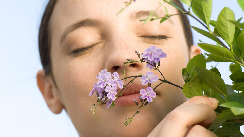 Coronavirus : la perte de goût et d'odorat, des symptômes très européens