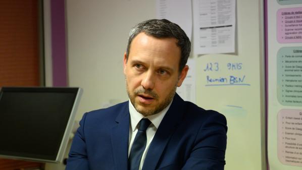 Confinement : Adrien Taquet annonce l'ouverture d'un portail de signalement en ligne des violences sur les enfants
