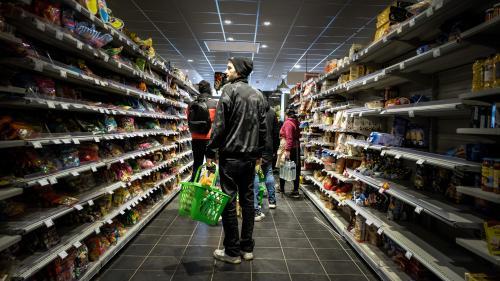 VIDEO. Coronavirus : le budget des courses a explosé avec le confinement (mais pas le prix des produits)