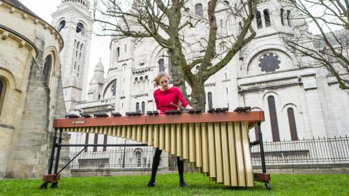 """L'agilité d'un jongleur, l'énergie d'un fauve : la percussionniste Adélaïde Ferrière sort un merveilleux premier disque, """"Contemporary"""""""