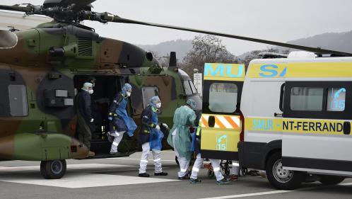 DIRECT. Coronavirus: jusqu'à 30malades par jour évacués par l'armée pour soulager les hôpitaux d'Ile-de-France