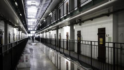 DIRECT. Coronavirus: les prisons françaises comptent 6266détenus en moins depuis le 16mars, annonce le ministère de la Justice