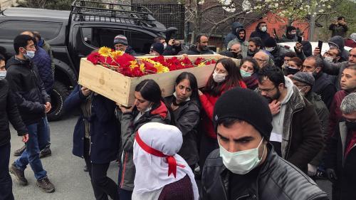 Turquie : Helin Bölek, chanteuse engagée en grève de la faim, est morte
