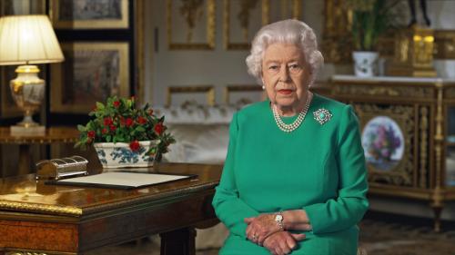 """VIDEO. """"Nous vaincrons"""" le coronavirus, assure Elisabeth II dans une allocution télévisée"""