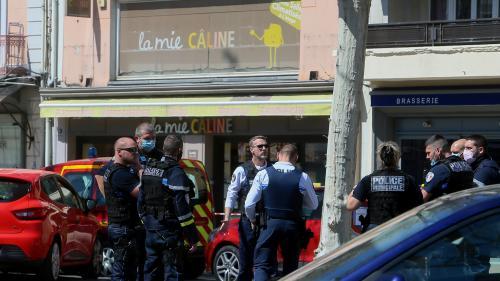 DIRECT. Attaque au couteau de Romans-sur-Isère : le suspect transféré pour être entendu à la sous-direction anti-terroriste