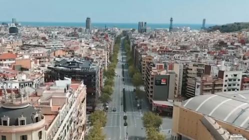 VIDEO. Coronavirus : les rues désertes de Barcelone vues du ciel