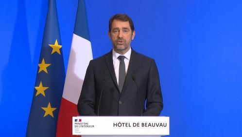 """Confinement : Christophe Castaner autorise les préfets à """"durcir les mesures"""" en cas de relâchement"""