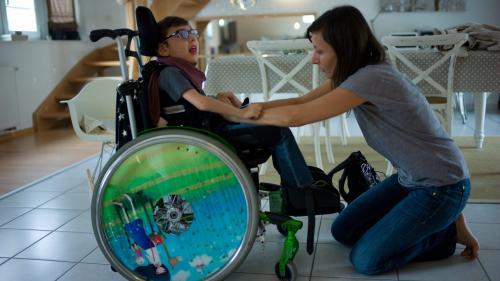 Confinement: un numéro vert pour les familles avec un enfant en situation de handicap
