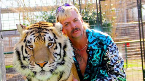 """Le documentaire """"Tiger King"""" et l'autobiographie de Laurent Garnier... Nos conseils pour se cultiver pendant le confinement"""
