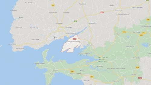 Finistère : 36 ans après, Céline retrouve la personne qui l'a sauvée de la noyade sur une plage de Plougastel