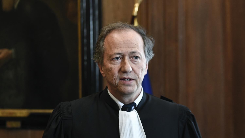 """Coronavirus : le bâtonnier de Paris regrette de n'avoir """"aucune information fiable de la part de l'État"""" concernant la distribution de gel et des masques"""