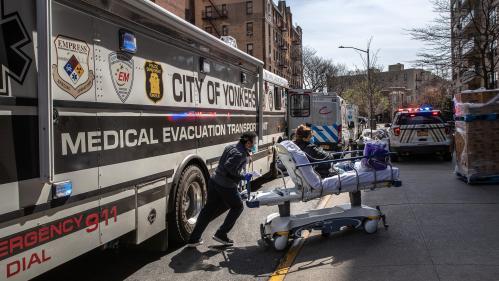 DIRECT. Coronavirus : les Etats-Unis enregistrent un deuxième jour record à plus de 2 000 morts en 24heures