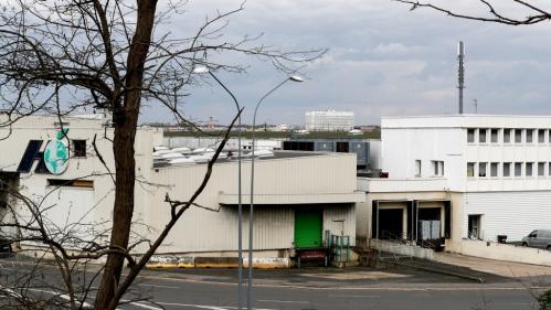 Coronavirus : on vous résume la polémique autour du hangar de Rungis transformé en morgue en quatre actes