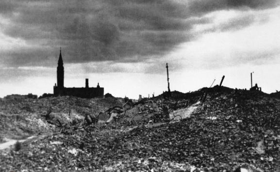 Image du ghetto de Varsovie rasé par les Allemands en 1943.