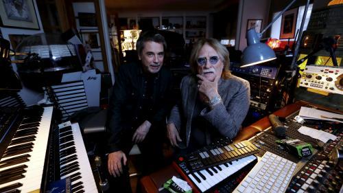 """Christophe était """"une sorte de brocanteur pop, quelqu'un qui chine la vie"""", décrit Jean-Michel Jarre qui a composé pour lui"""